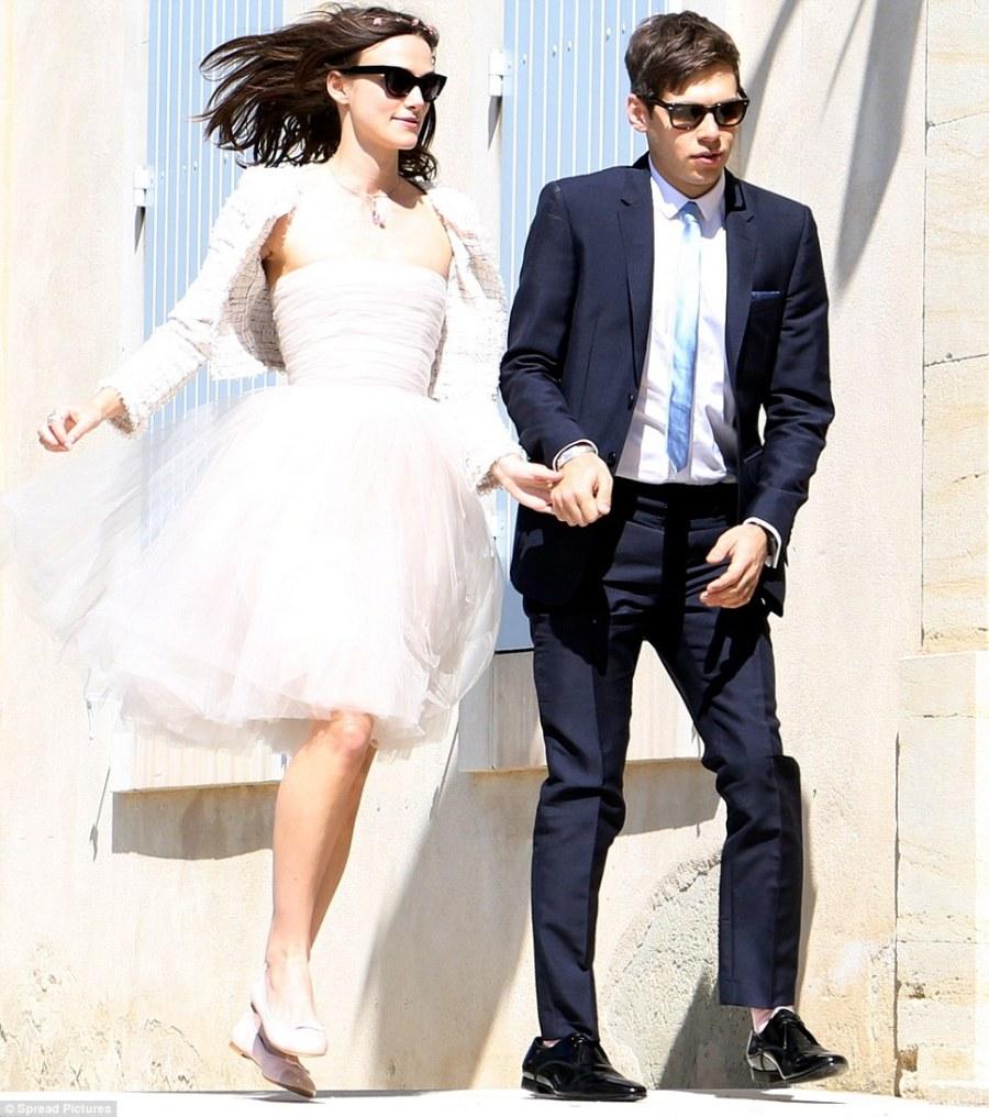 keira wedding dress