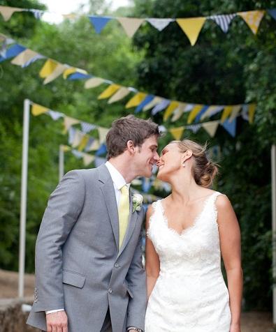 wedding couple & bunting