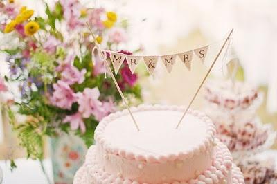 wedding cake bunting